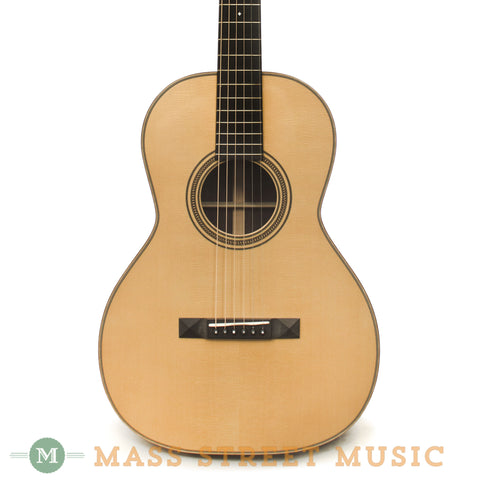 Huss & Dalton 00-SP Acoustic Guitar - front close