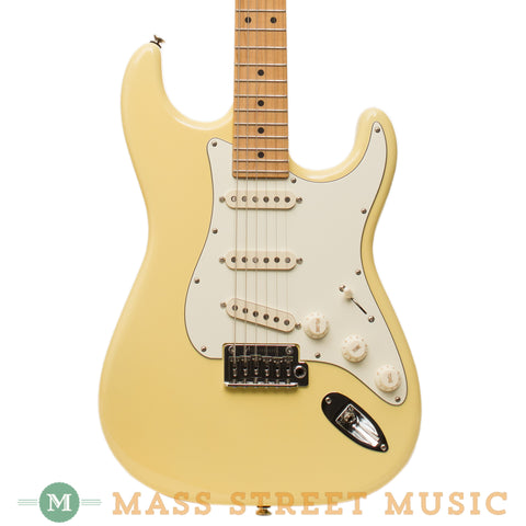 Tom Anderson Electric Guitars - Icon Classic - Mellow Yellow - Front Close