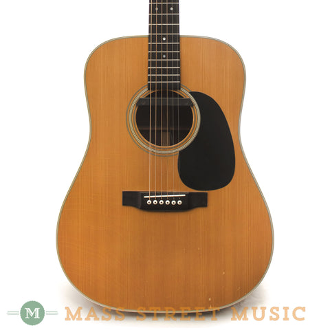 Martin 1975 D-28 Acoustic Guitar - front close