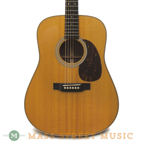 Martin HD-28 2006 Used Acoustic Guitar - front close