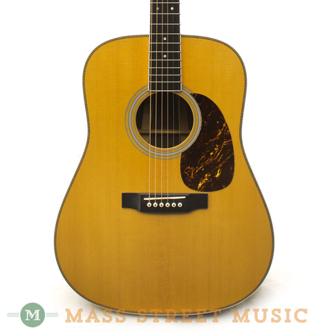 Martin 2005 HD-35 Acoustic Guitar - front close