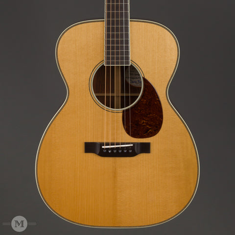 Bourgeois Acoustic Guitars - OM - Large Sound Hole - Front Close