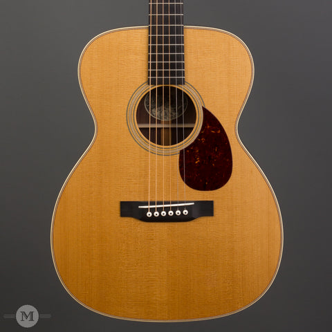 Collings Acoustic Guitars - OM2H Traditional T Series - Baked - Front Close