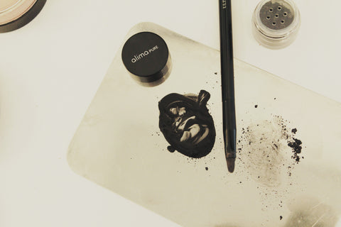 From the Chair: 3 Reasons to Love the Ultra-Fine Liner Brush