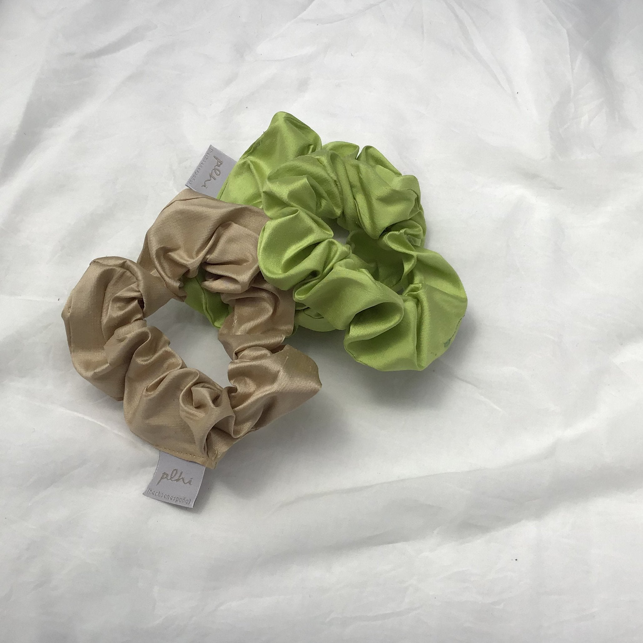 Silk scrunchie - Plhi studio
