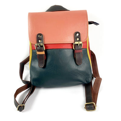 Soruka Bag: Square Medium Backpack-ESSE Purse Museum & Store