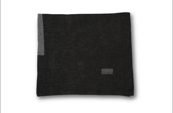 Knitted Blanket / Black
