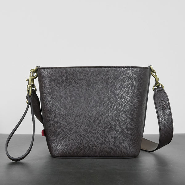Angelou Mini Bucket [Signet] - Dark Brown
