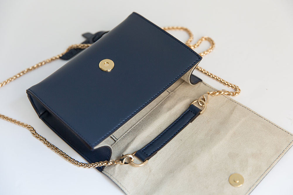 V Chain Cross-Body - Navy