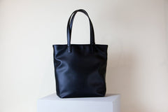 Andrea Tote Tall - Black (Sample Sale)