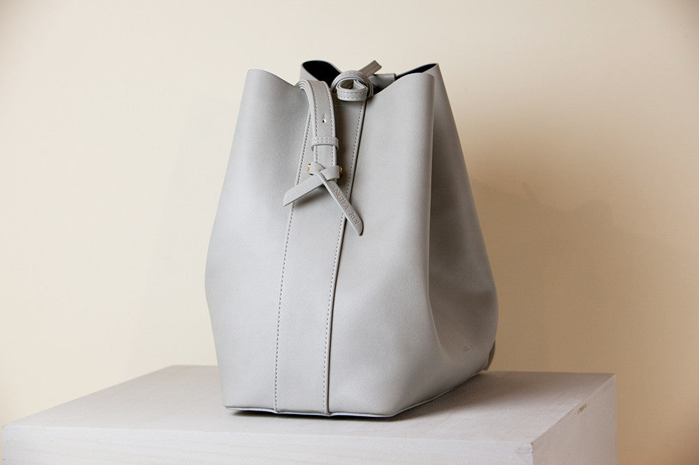 Jules Bucket Bag II - Light Gray