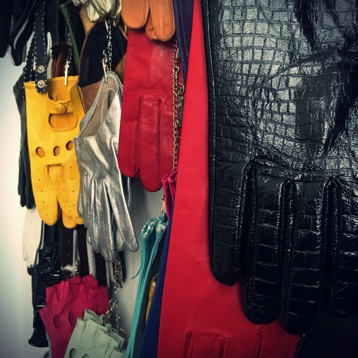 Looking for incredible second hand leather gloves? Ask Ines!
