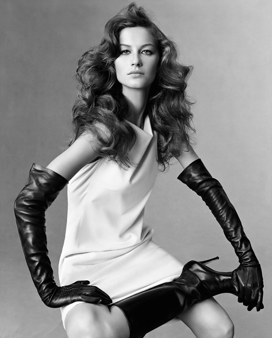 Gisele Bündchen wearing Ines Gloves for Vogue Italy photography by Steven Meisel