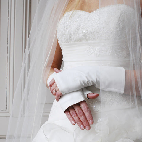 Formal Bride Opera Wedding Gloves by Ines