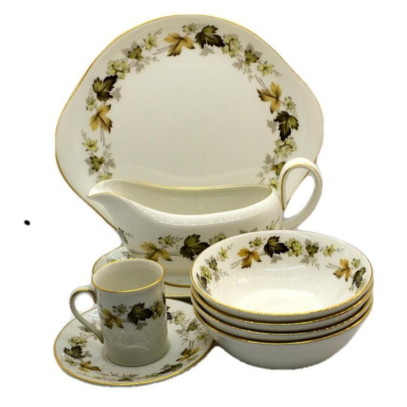 Royal Doulton Larchmont china dinner service
