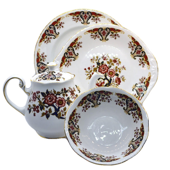 Vintage Colclough Royale china pattern 8525