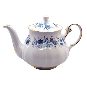 Colclough Braganza bone china teapot 2 pint round design