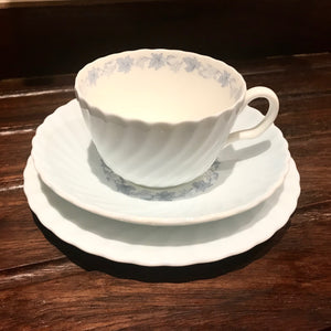Minton china Vineyard S574 teacup trios