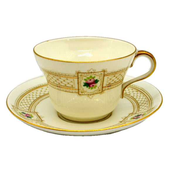 Star China Paragon Antique China 4945 Teacup & Saucer