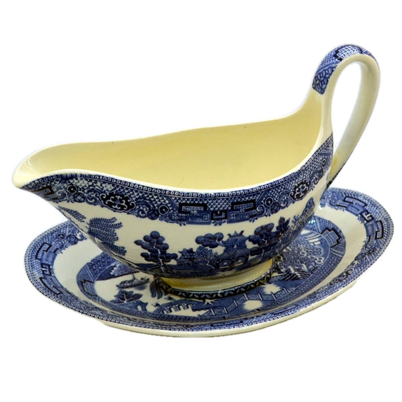 Wedgwood gravy boat and saucer plate vintage blue willow pattern