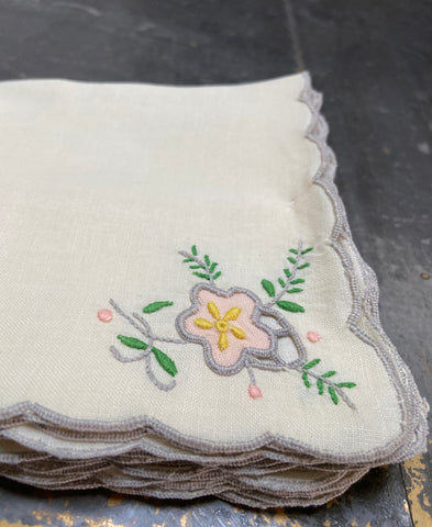 Antique French linen table napkins set of 6 (flowers)