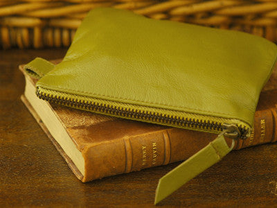 Polder / Trousse (olive mustard) size M