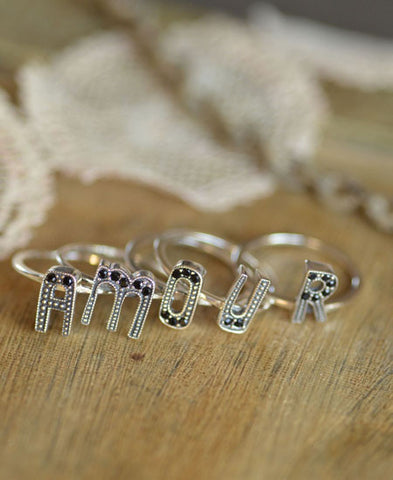 Miss Bibi / AMOUR ring set of 5