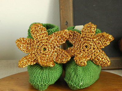 April Showers / baby shoes crochet (Green)