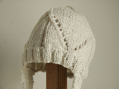 April Showers / baby hat crochet (Off-white)