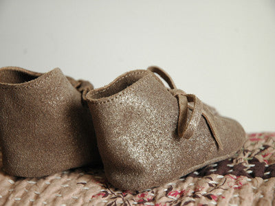 April Showers / Floris baby shoes (bronze)