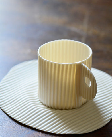 Fanny Laugier porcelaine /  carton (cafe tasse, espresso cup and saucer)