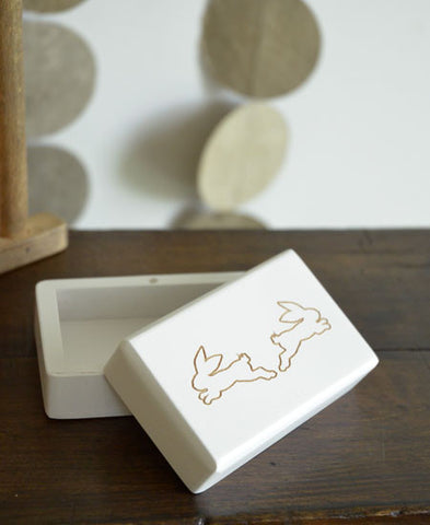 【送料無料】LITOLFF / baby tooth container (two hare / white)