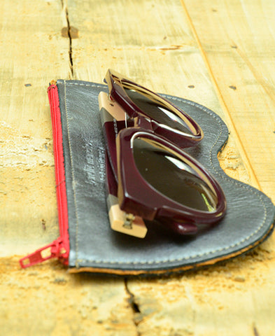 Bandit Manchot / leather glasses case (shiny gray)