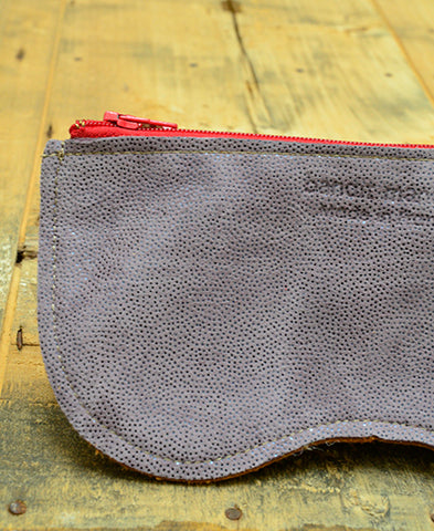 Bandit Manchot / leather glasses case (lame violet)