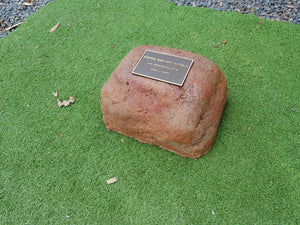 Memorial Rock Urn 960 Small-Single