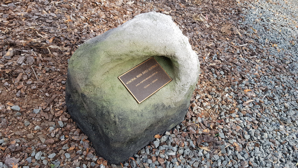 ' The Green Room' Medium Memorial Rock Urn 1125