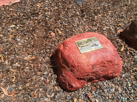 Memorial Rock Urn 914 Medium-Double Outback Red Series. MDRED