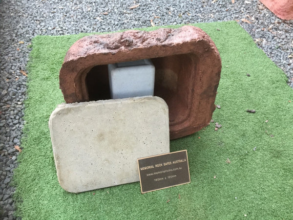 Large Memorial Rock Urn 938 with plaque option