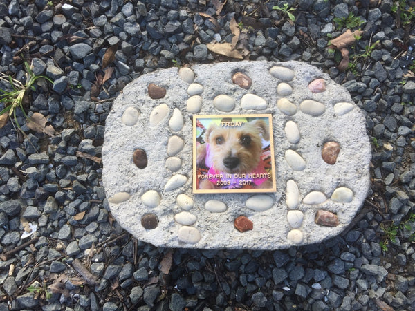 PET MEMORIAL ( Including 100mm x 100mm Colour Plaque) 797