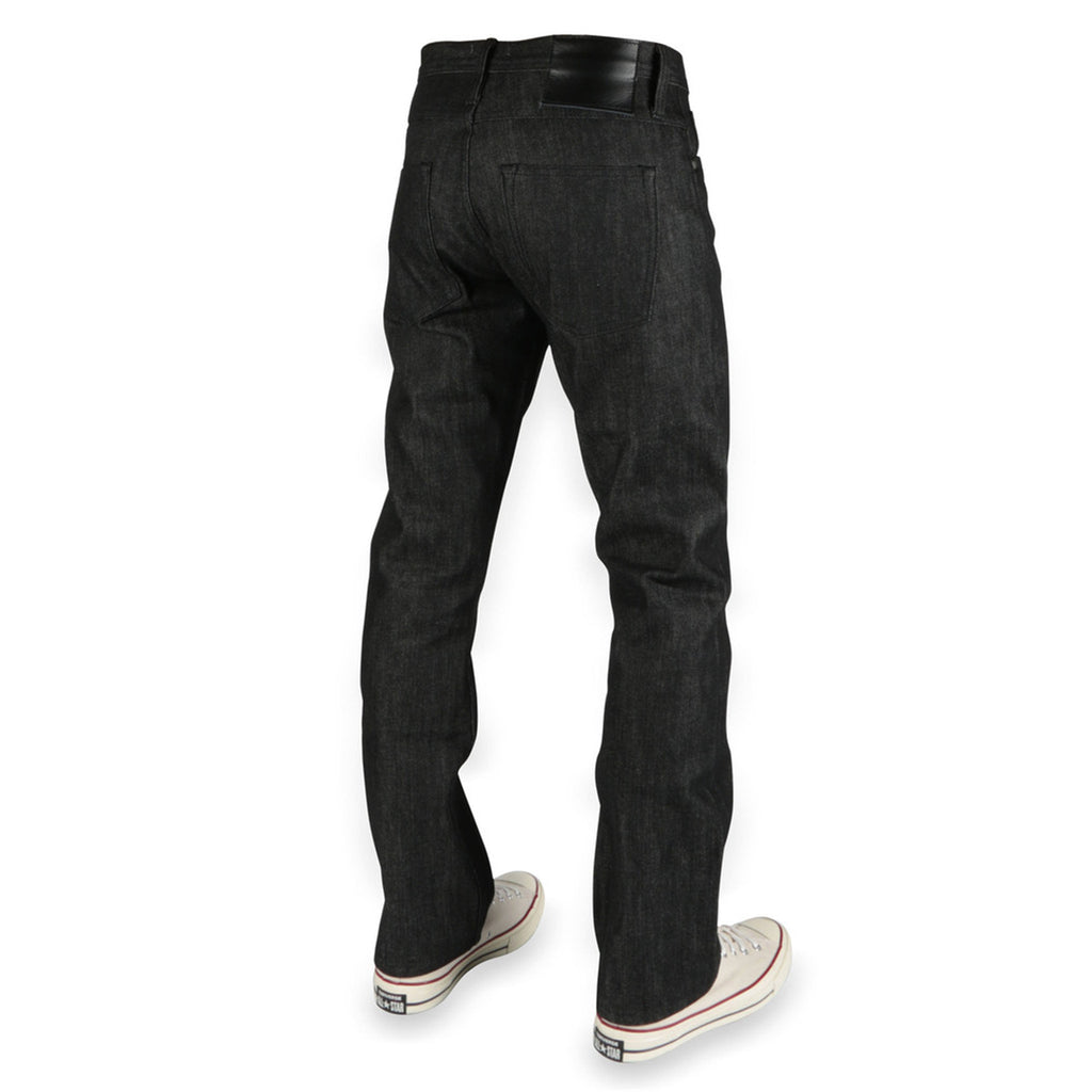 UB304 Straight Fit Black Selvedge
