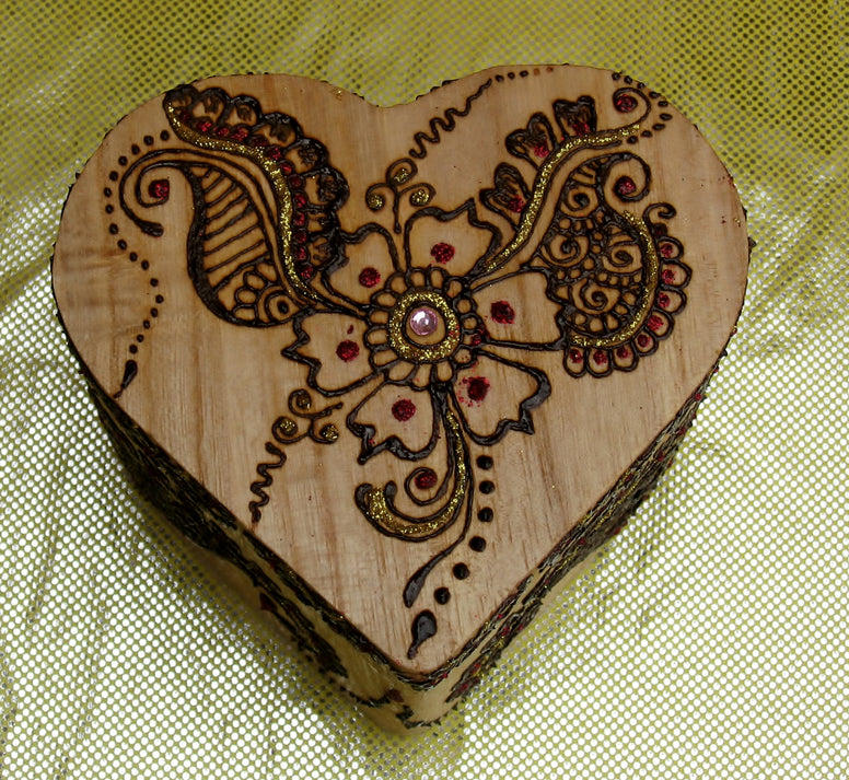 Henna on wood-custom gifts-jewelry box-Henna Crafts-Party favors-Henna
