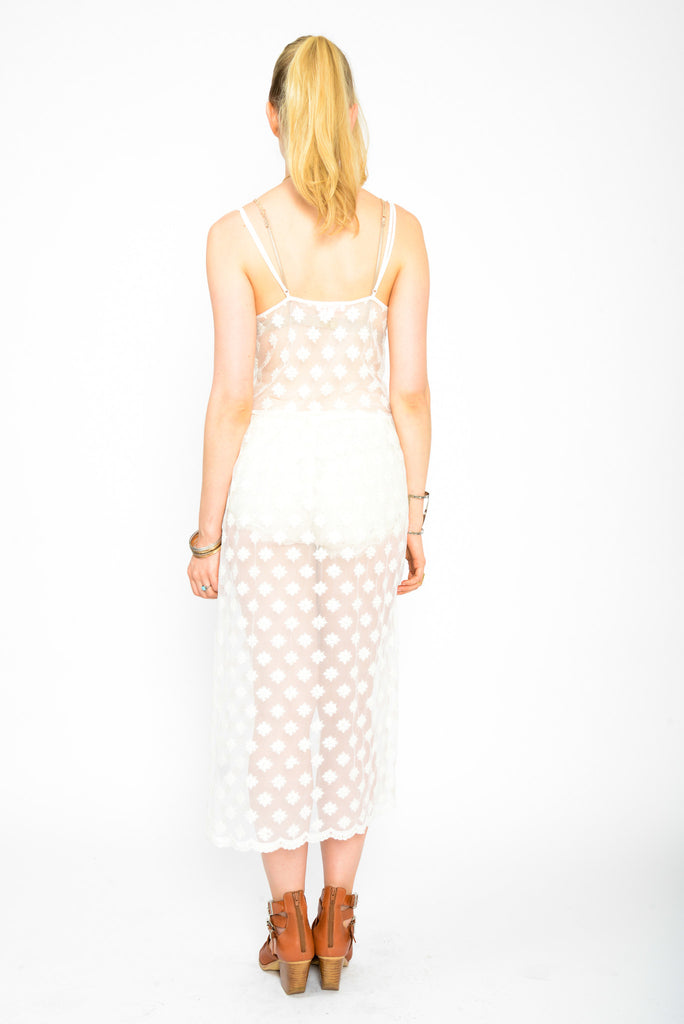 Scallop Lace Maxi Dress - white