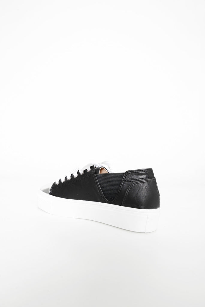 Carry On Classic Sneaker