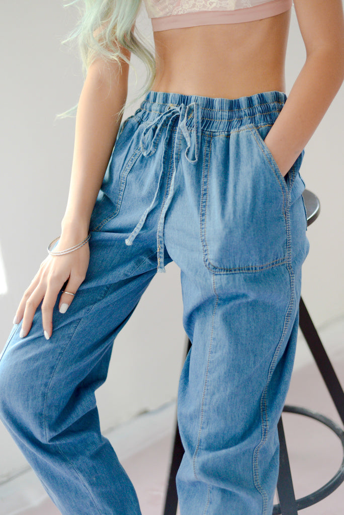 Baggy Baddie Chambray Ankle Pant