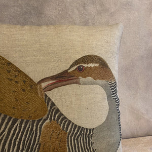Load image into Gallery viewer, Square Linen Printed Bird Pillow