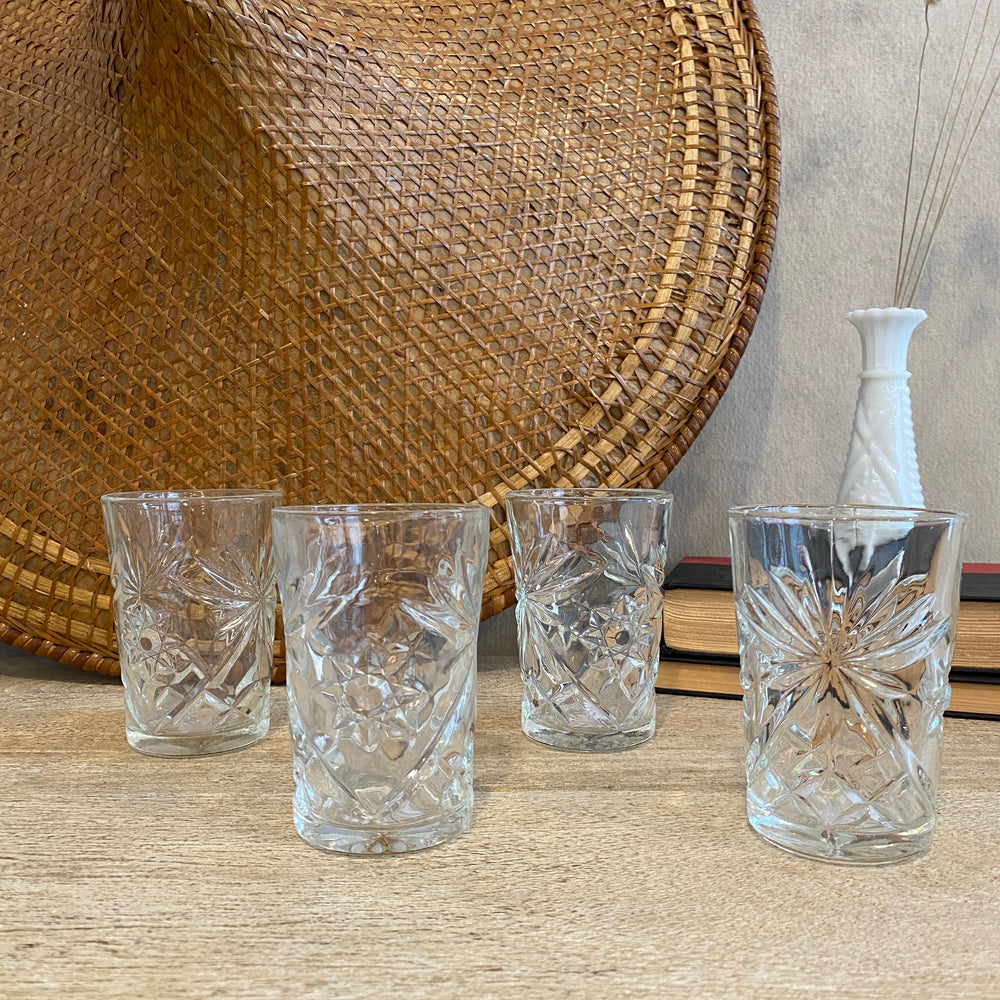 Set of 4 Starburst Vintage Drinking Glasses