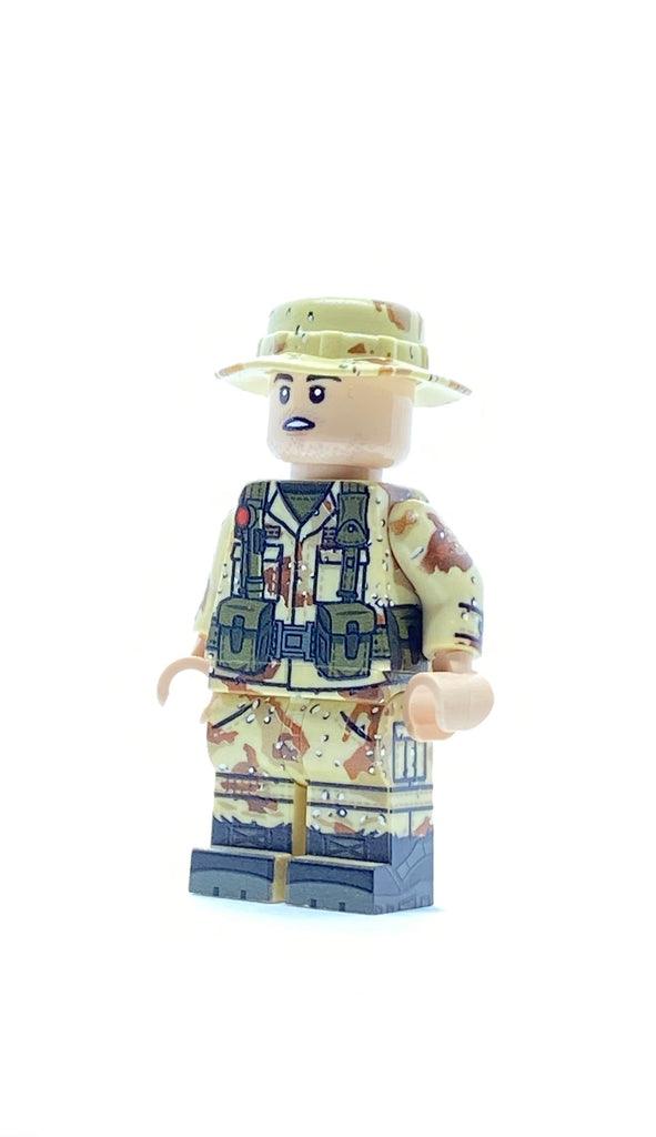 TRI-color soldier with bonnie hat