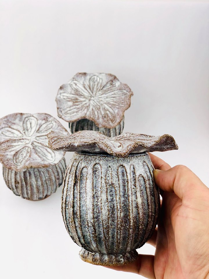 Poppy Seed Head Lidded Pot