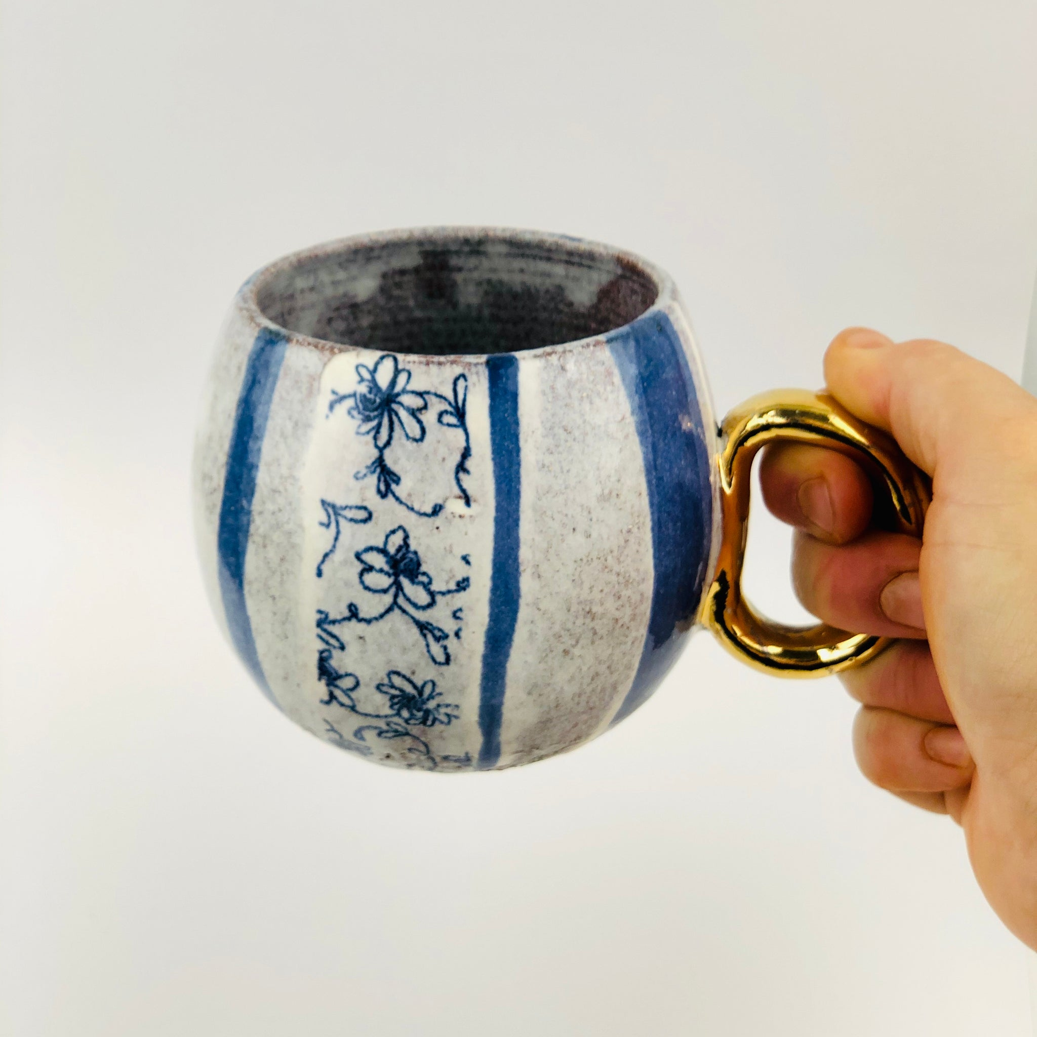 Conglomerate Cup with gold handle - Stripes