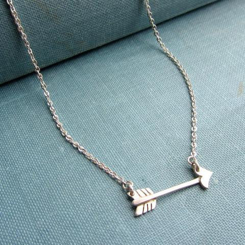Necklace love arrow sterling silver.